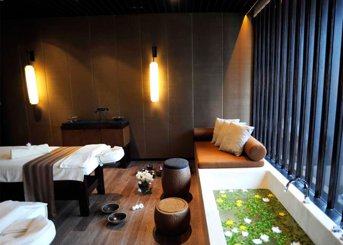 The puli hotel and spa in shanghai china spa it girl for Spa treatment room interior design